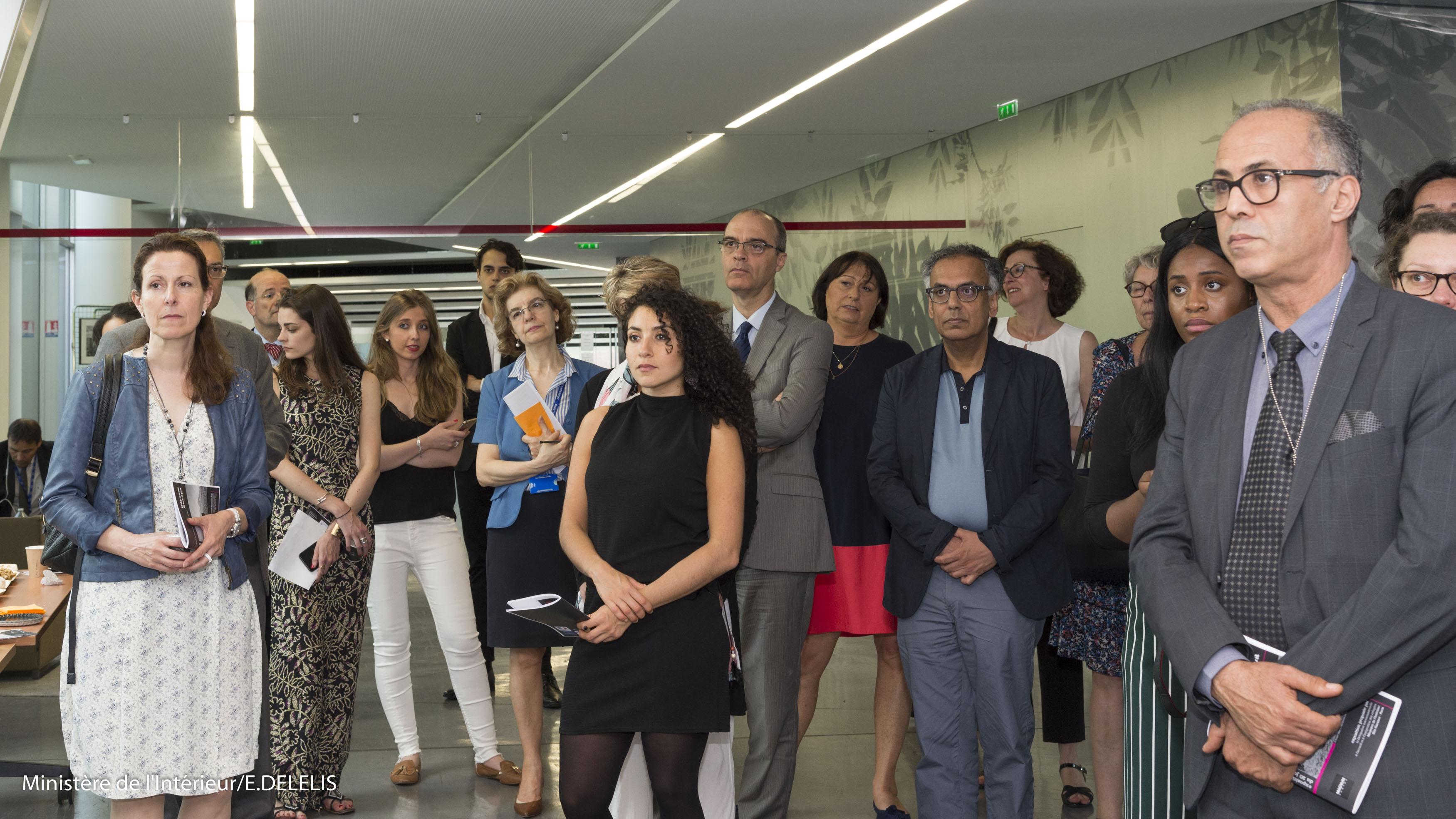 Vernissage de l'expo photos à l'occasion de la Journée Mondiale des Réfugiés en présence du préfet Alain Régnier Délégué Interministériel à l'Accueil et à l'Intégration des Réfugiés, DIAIR