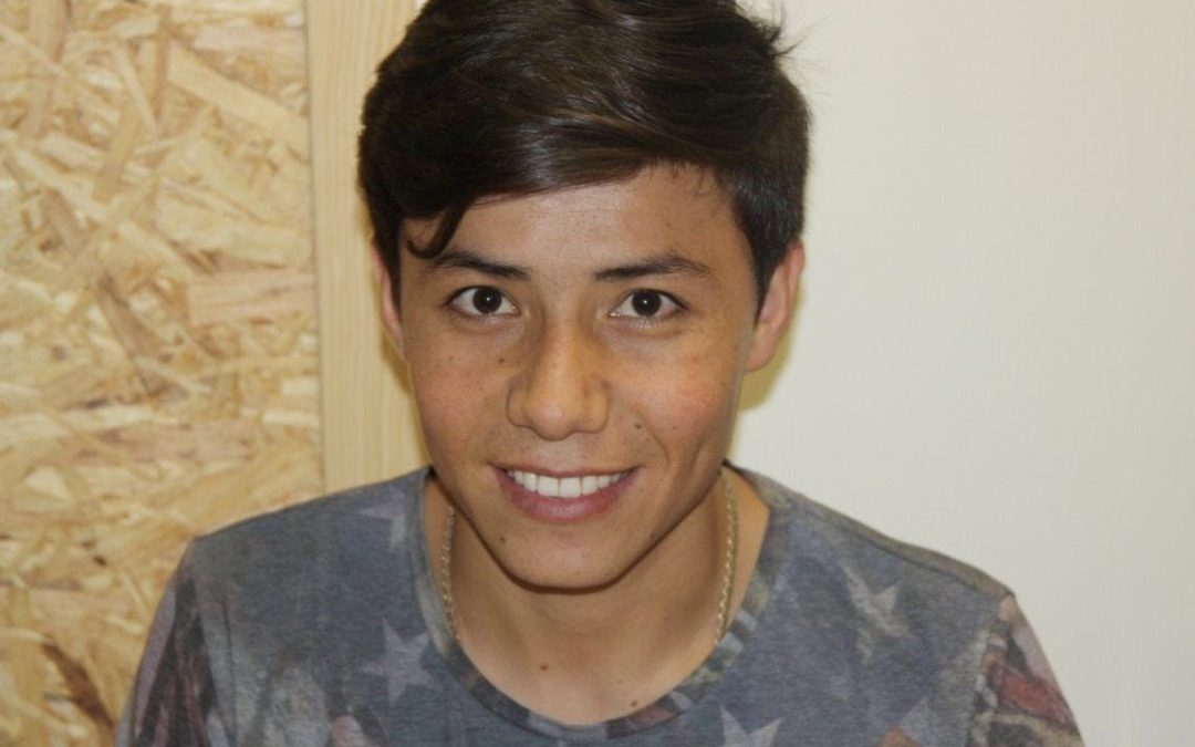 Portrait de Tawana, réfugié afghan de 20 ans